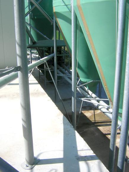 Dettaglio coclee di estrazione da impianto silos in vetroresina per mangime